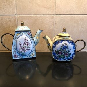 ENAMEL TEA POTS beautiful decorative set 2 display